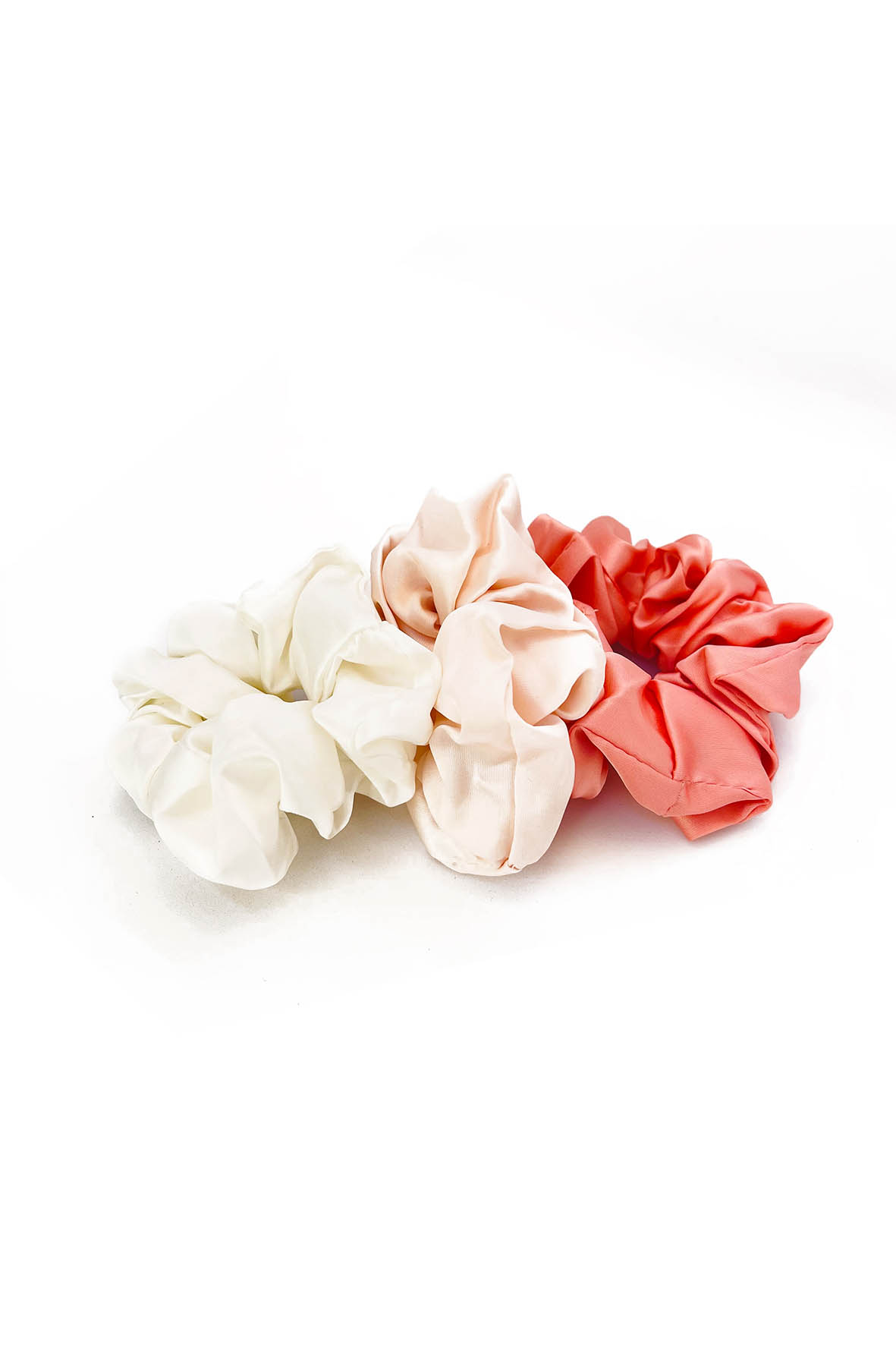 Satijnen scrunchie set roze wit 3 stuks